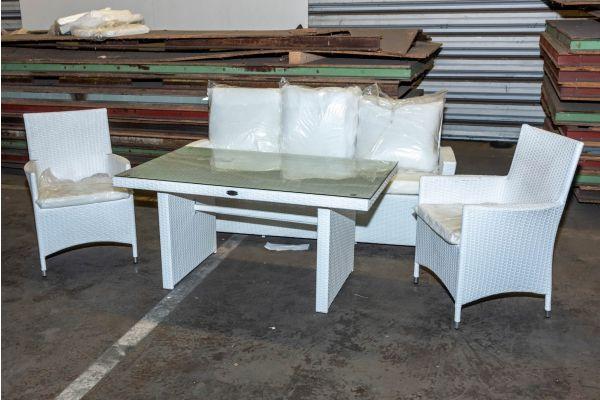 #HBM 2138: 2x Stuhl Avignon + 3er Sofa + Tisch Fisolo, weiß Flachrattan