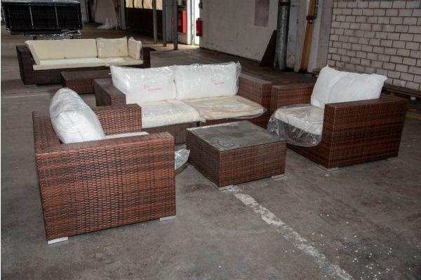 #HBM 2262: 2er Sofa bestehend aus 2 Eckelementen und 2 Sesseln Barcelona und Tisch 65x65x35