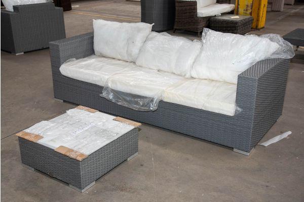#HBM 2504: 3er Sofa Casablanca mit Tisch 60x60x25-grau