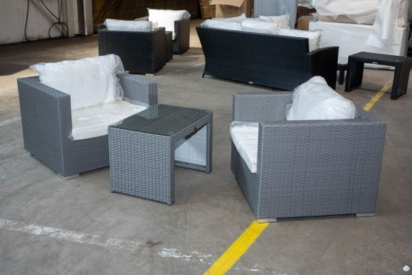 #M 5: 2x Sessel + Beistelltisch Malolo-grau