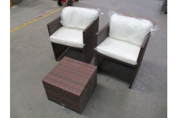 #HBM 1765: 2x Sessel + Tisch Tahiti