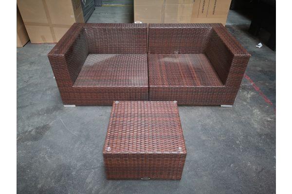 #G 1283: Sofa bestehend aus 2 Eckelementen Barcelona mit Tisch Genero