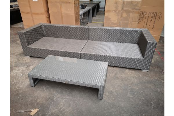 #G 1289: Sofa bestehend aus 2 Seitenelementen Barcelona mit Tisch Casablanca